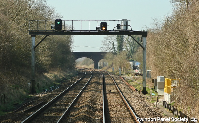 Dauntsey, 87m40ch MLN1 Signal Gantry with Signals DM87 SND2R and_14516210707_o.jpg