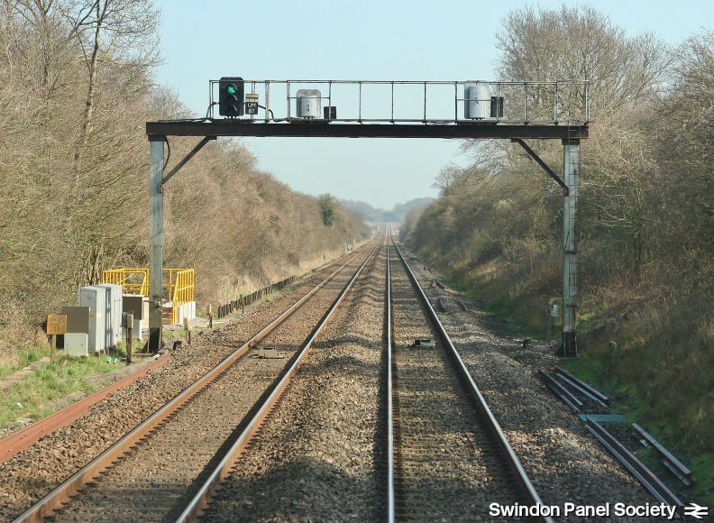 Dauntsey, 87m40ch MLN1 Signal Gantry with Signals UM87, DM87 and_14516204687_o.jpg