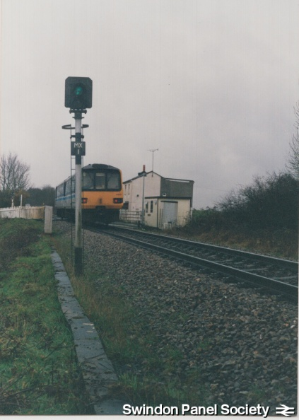 MX1 signal at Minety Crossing