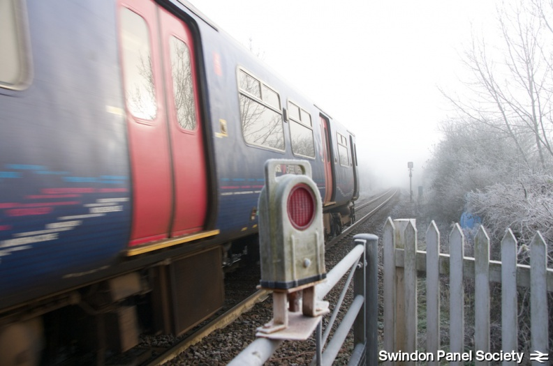 Minety Level Crossing Jan 14th 2012 6.jpg